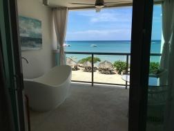 gbt-tub-balcony-view